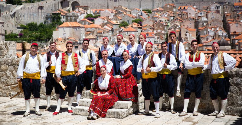 Croatian Dance in Dubrovnik with Lindo Folklore Ensemble | Dance